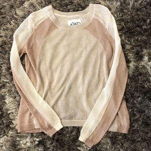 AīKo open back sweater